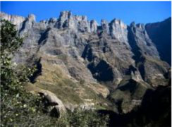 Drakensberg Shuttle Service is ready and waiting to take you to the Drakensberg